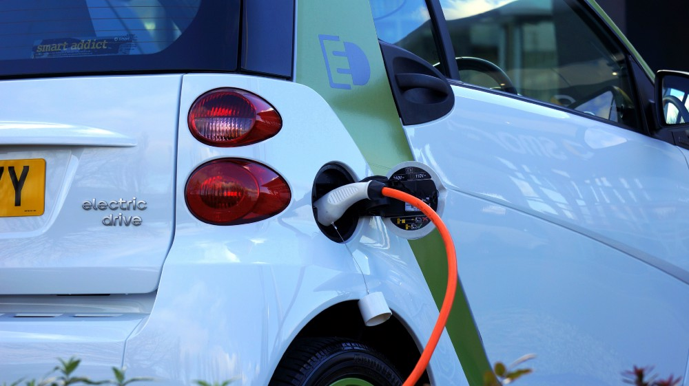 Charging infrastructure: a major challenge for cities