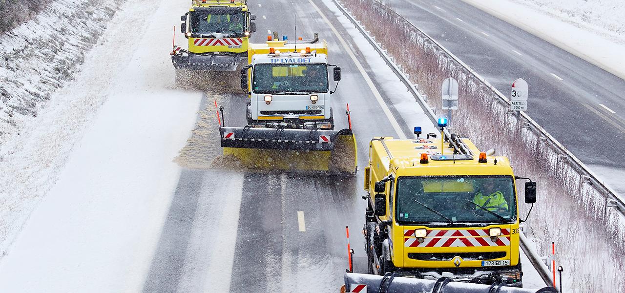 chasse-neige sur réseaux routiers