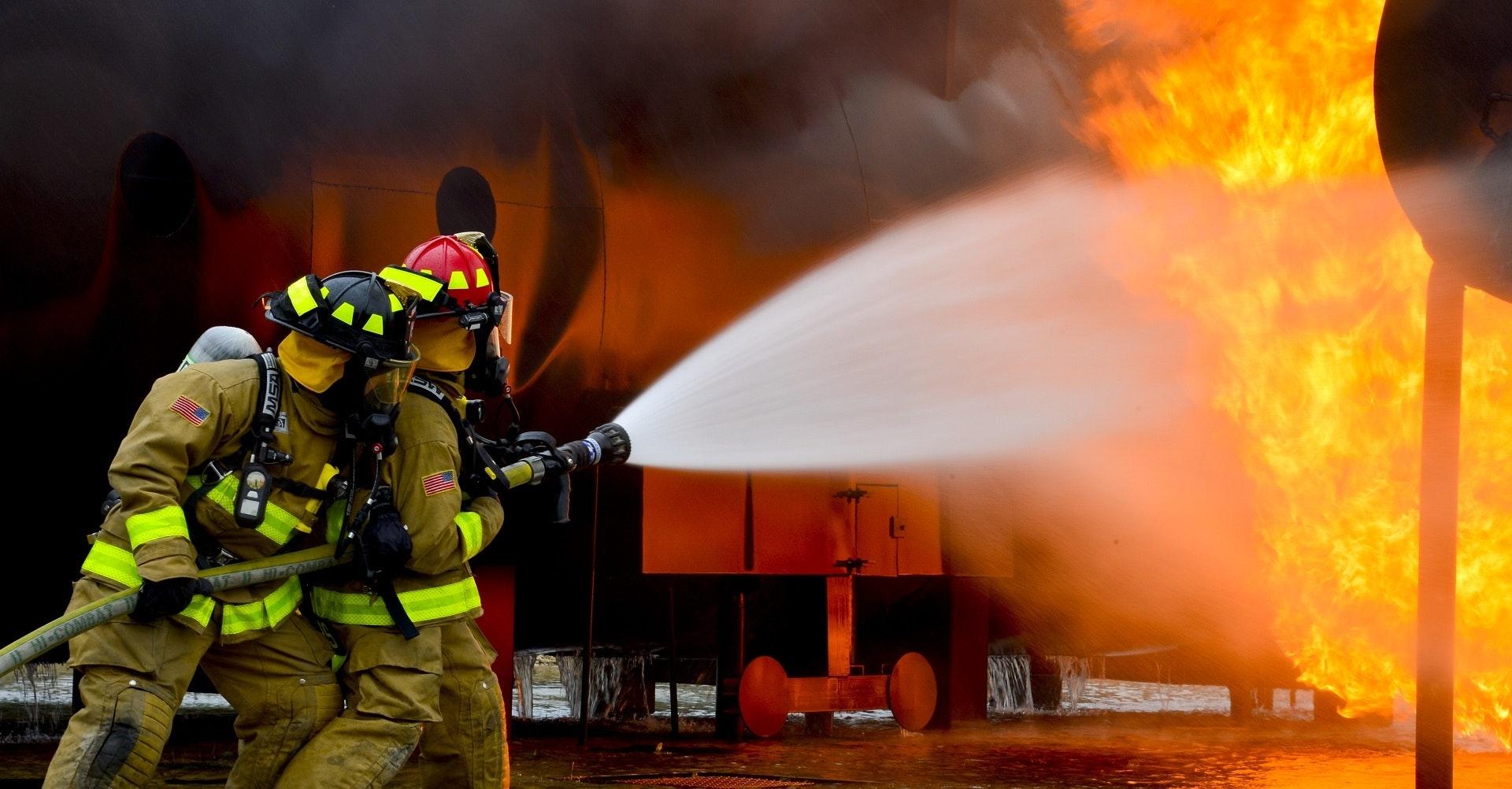 Des bâtiments contre les flammes