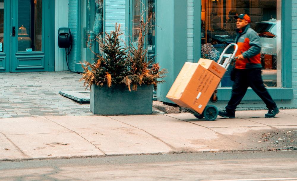 Three future outlooks for city logistics