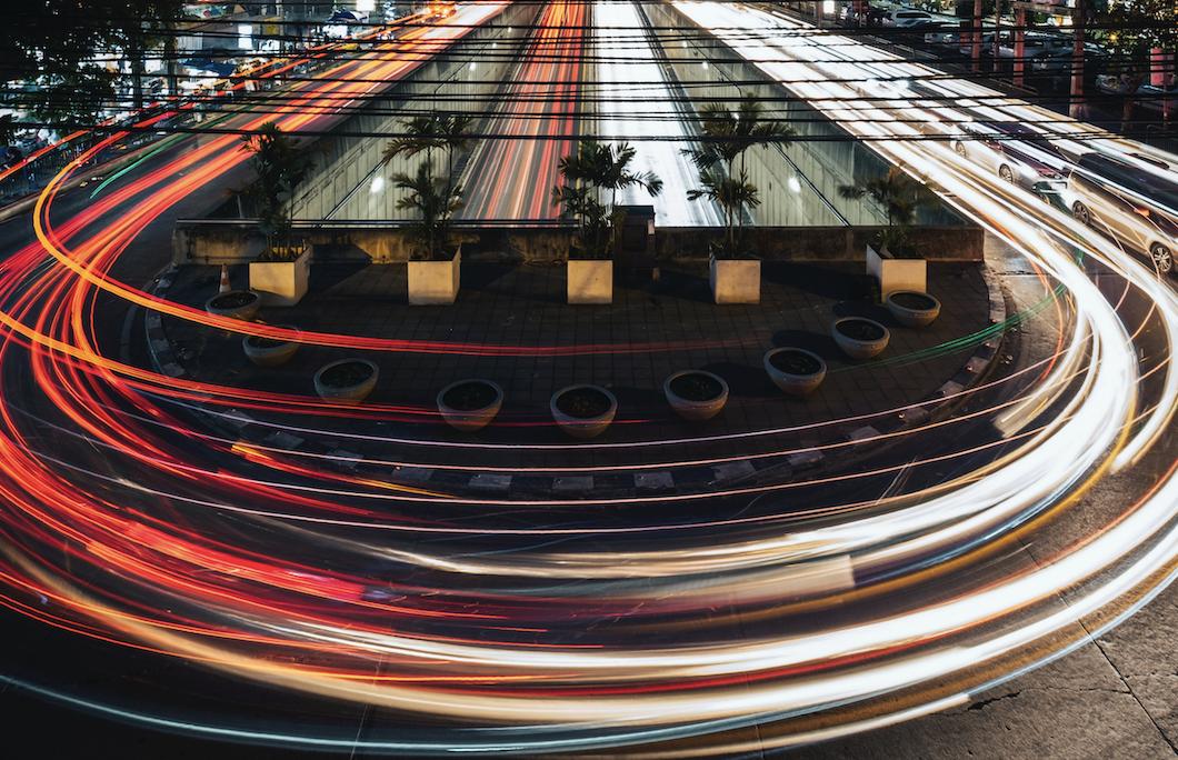 Mobilité urbaine : les enjeux de la vitesse, entre ciel et terre